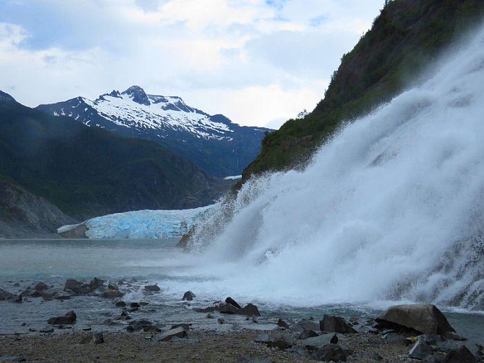 Mendenhall Glacier & Nuggets Falls, Juneau