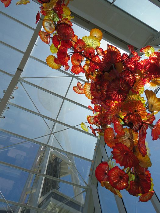 Chihuly Garde and Glass with Space Needle view